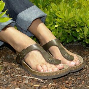 BIRKENSTOCK Gizeh Bronze Thong Sandal